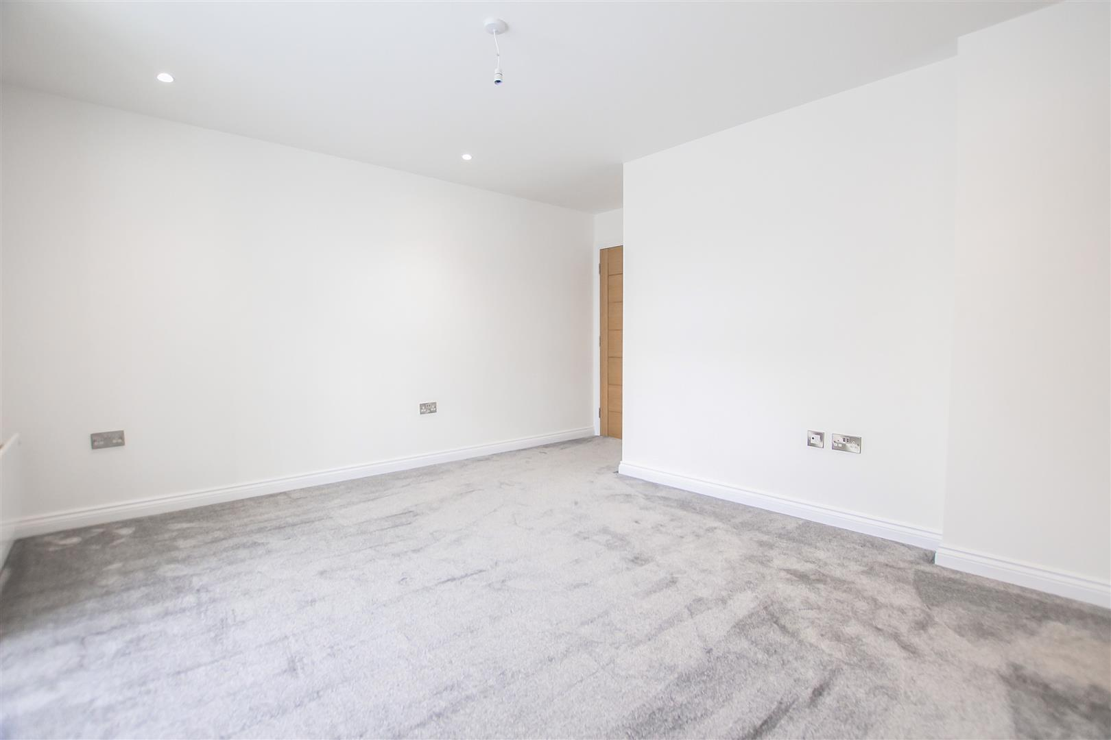 2 Bedroom Apartment For Sale - Image 19